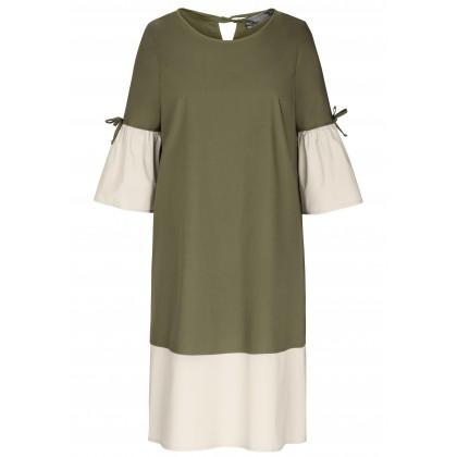 Bezauberndes Kleid OSTANA mit stilvollen Details /